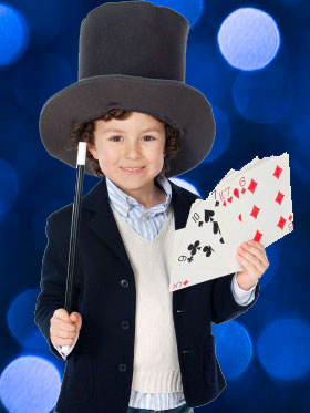 Enfant qui participe à un spectacle de magie